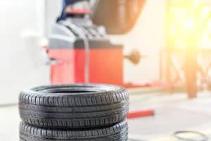 Top tire changer/wheel balancer combo reviewed
