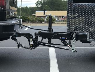 weight distribution hitch connecting truck and trailer